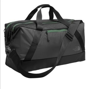 NWT The North Face Apex Gym Duffel - Gray/ Green